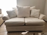 White loveseat great condition! El Paso, 79936