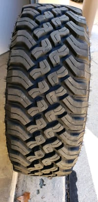 Set of 5- 33 inch tires and wheels off of Jeep Gladiator