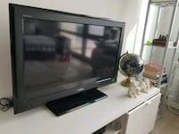"SONY BRAVIA 32"" LCD HD TV with remote Cliffside Park, 07010"