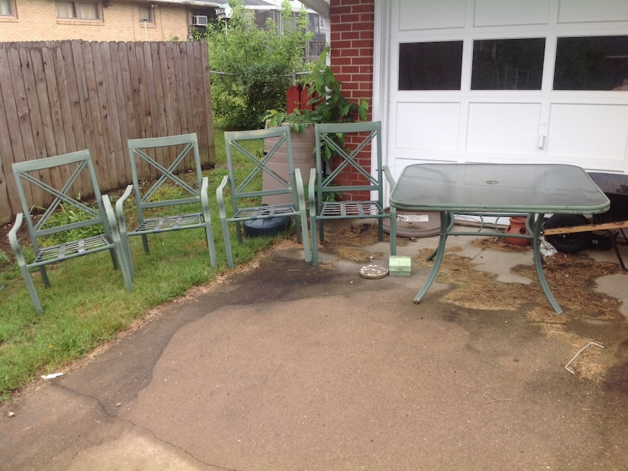 used Green metal patio table and 4 chairs