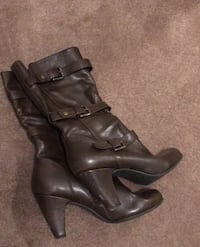 Boots size 10 Columbia, 21044
