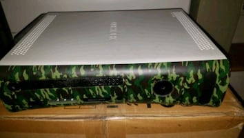 XBOX 360 FOR PARTS. 20GB DRIVE PERFECT