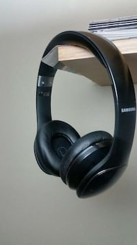 black samsung cordless headphones Ontario, M1V 4S5