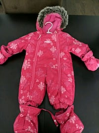 Baby snow suit will fit 0-6 months  East Gwillimbury, L9N