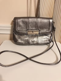 Authentic Coach Leather crossbody silver color 蒙特利尔, H4E