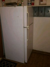 white top-mount refrigerator Brookfield, 60513