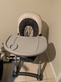 white and gray high chair 206 mi