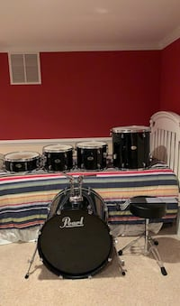 Pearl Forum Series 5 Piece Drum Set (Black)