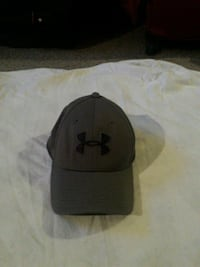 Grey under Armour hat md/lg Surrey, V3T