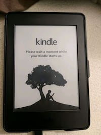 Kindle paperwhite with case Baldwinsville, 13027