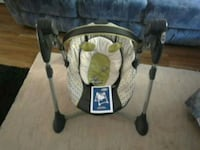 Graco baby's gray and white portable swing Vancouver, V6T 1Z4