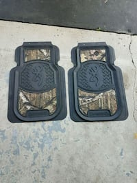 Browning floor mats  and seat covers 590 km