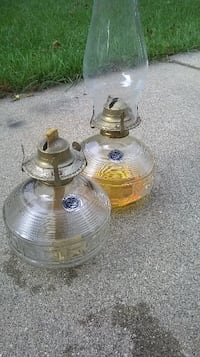 Pair Oil lamps, lovely glass work