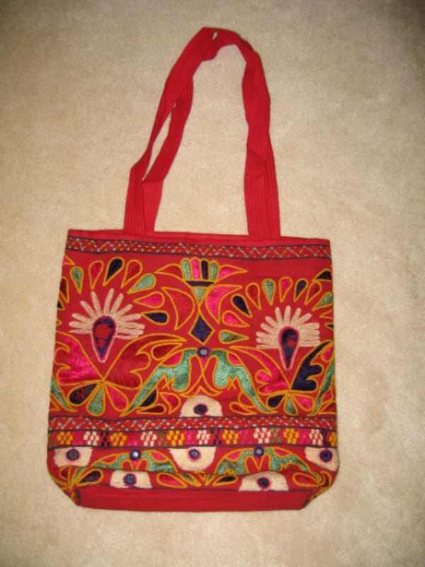 Vintage Indian red embroidery shoulder bag 0