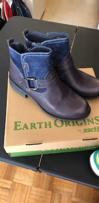 Navy Blue leather boots with zipper and box!! Price is Negotiable!! Hampton, 23661