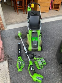 Greenworks all electric cordless lawn mower, edger, blower with TWO 40V Lithium batteries and charger Kensington