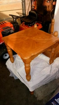 Matching set coffee table and end tables Gaithersburg, 20879