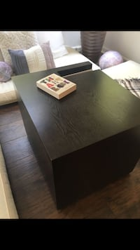 Beautiful Design coffee table (holds magazines)measure 24X22