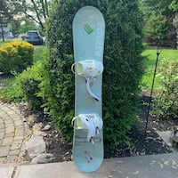 Snowboard with bindings very good condition Linganore, 21774