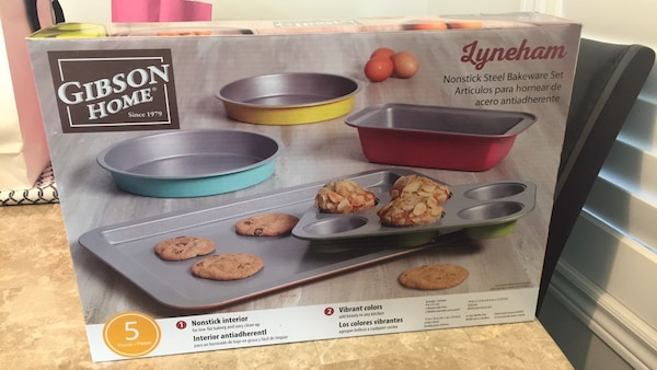 Nonstick steel bakeware set