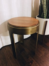tripod brass gold cast metal and round wood top accent table - mint condition Redondo Beach, 90278