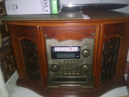 Cd auw in tape and record player and radio combo unit