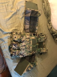 Camo chest protector with pouches Albany
