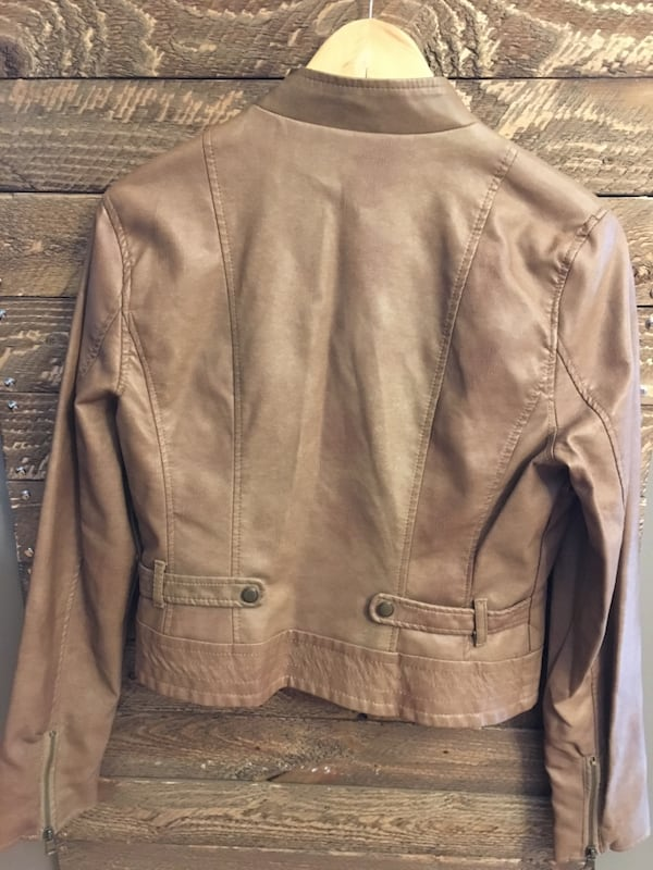 LIKE NEW Faux leather jackets 5a1c824b-f576-4a7b-ad7f-550946a0fc73