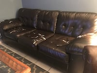 Leather couch  Miami, 33172