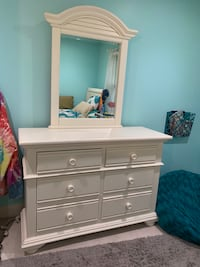 Dresser and mirror. Mc Lean, 22102