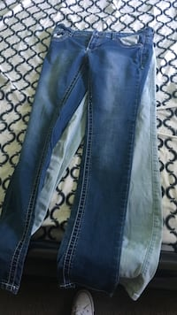Blue and gray jeans