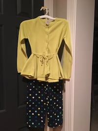 Girls size 7 Gymboree blue polka dots crop pants and lime green sweater  Centreville, 20120