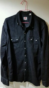 Levis large button up shirt  Calgary, T3J 2V2