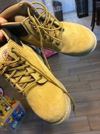 pair of brown Timberland work boots El Paso, 79904