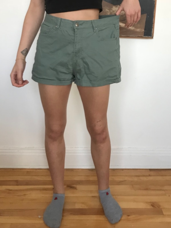 Forever 21 High Waisted Shorts Size 31