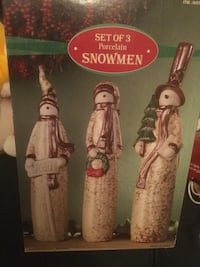 Set of 3 porcelain snowmen New in Box 721 km