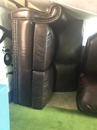 brown leather 2-seat sofa Youngstown, 44509