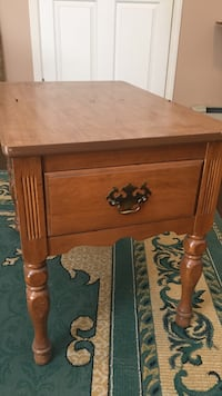 Antique side table Surrey, V3W