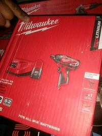 Milwaukee cordless impact wrench with box Vallejo, 94590