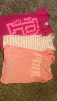 pink and white crew-neck t-shirts Thornton, 80229