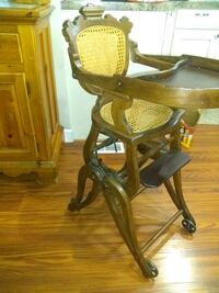 Late 1800's wooden highchair Pitman, 08071
