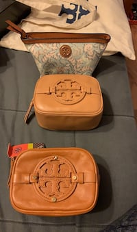 Tory Burch pouch Mississauga, L5L 1S8