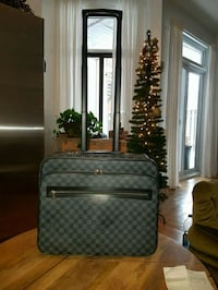 Louis Vuitton, sac , bagages, voyages, business,  788 km