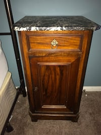 Marble top end table  Woodbine, 21797
