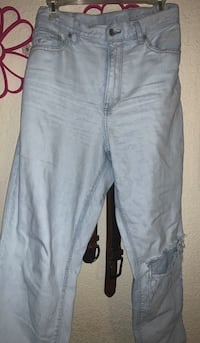 AE Light wash Mom Jeans ! size: 14