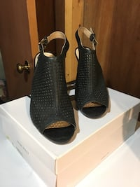 Black perforated peep toe boots from Nine West size 9 Toronto, M3C 1X1