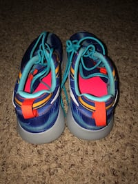 Nike Runnning Sneakers Size 7Y Clarksville, 37042