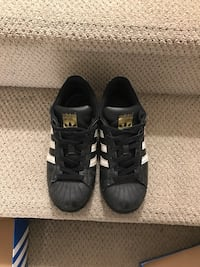 $ OBO ADIDAS SUPERSTARS SIZE 4. YOUTH Langley City