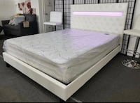 King Size Button Tufted Platform Bed w/Lighting Hialeah, 33015