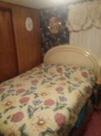 Queen size bed with mattress and box springs Dayton, 45414